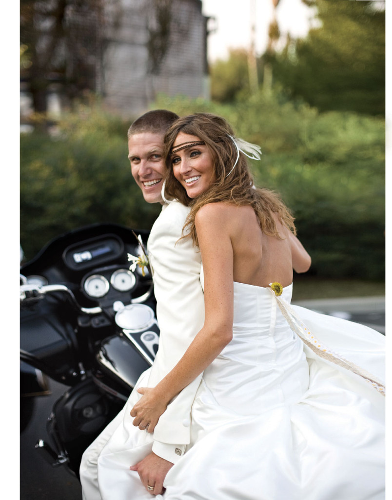 bride-and-groom-on-motorcycle
