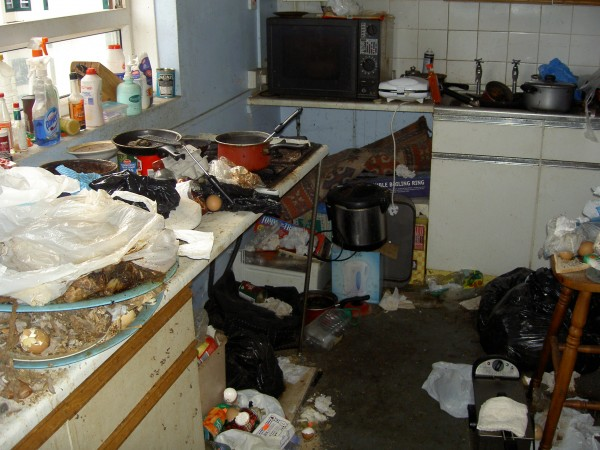 This incredible tip somewhere in the UK is actually a kitchen. Yes, there's a kitchen sink under that lot!