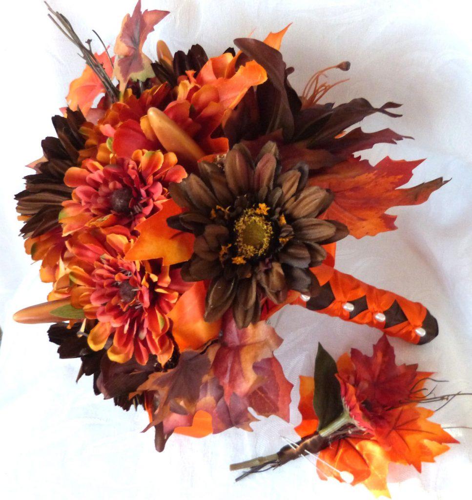 Darker bouquet of wedding flowers