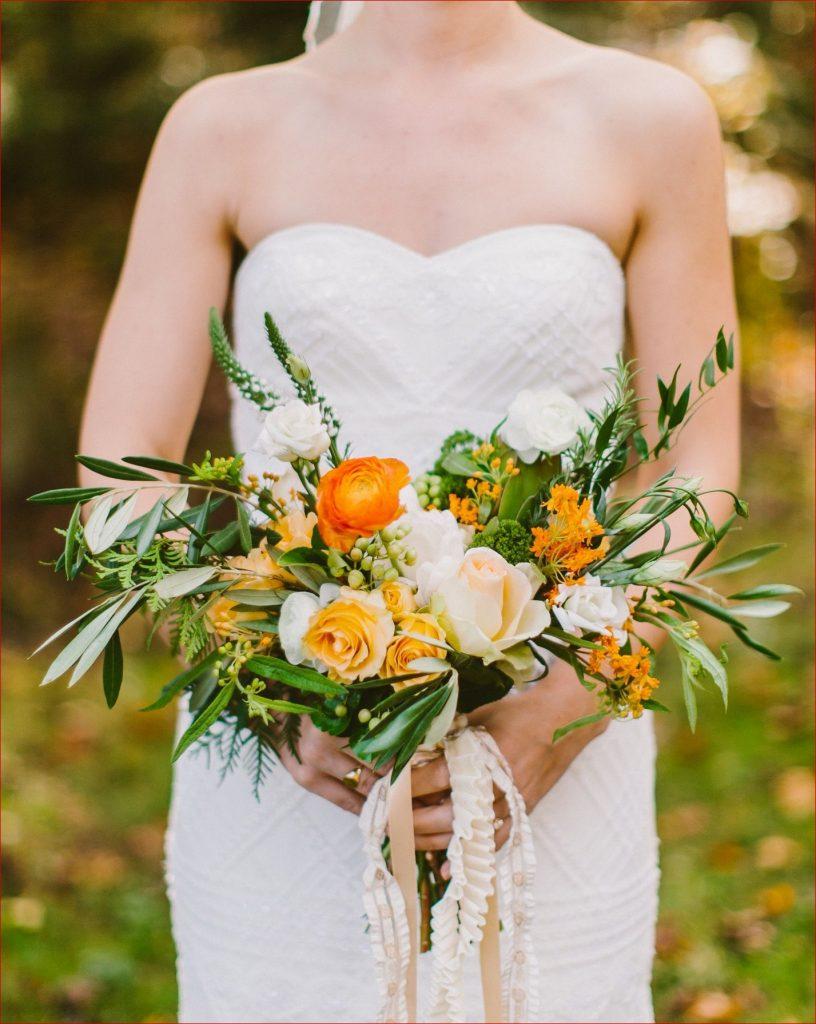 Fall wedding flowers - bridal bouquet