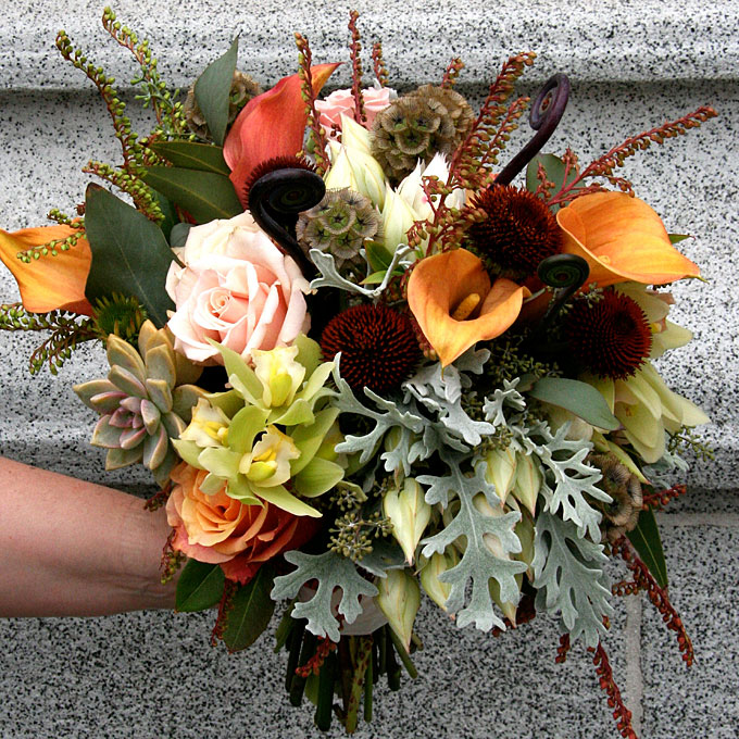 Fall wedding flowers and foliage